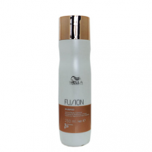 Wella Professionals Fusion Intense Repair Shampoo 250 ml